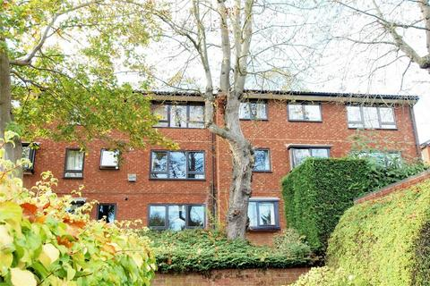 2 bedroom flat for sale - Whitehaven Close, Bromley, Kent