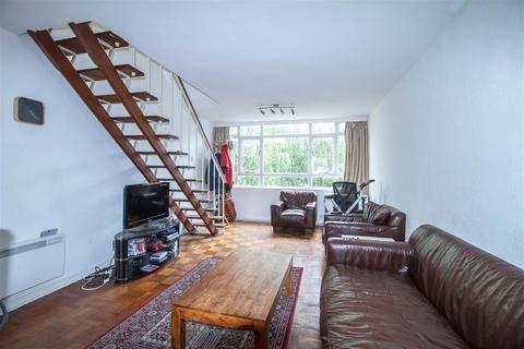 2 bedroom apartment to rent - Garden Royal, Kersfield Road, Putney