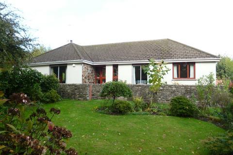 3 bedroom detached bungalow for sale - Castle Horneck Road, Alverton, Penzance