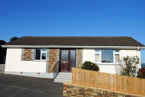 3 bedroom bungalow to rent - Treforest Road, Wadbridge