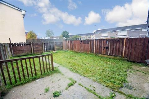 3 bedroom terraced house for sale - Hucknall Garth, Bransholme, Hull, HU7