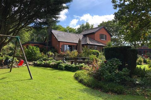 3 bedroom property with land for sale - Gwynfe Road, Ffairfach, Llandeilo