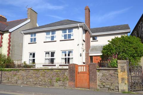 4 bedroom detached house for sale - Milford Haven
