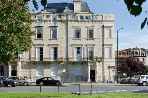 2 bedroom flat to rent - Gloucester Row, Clifton