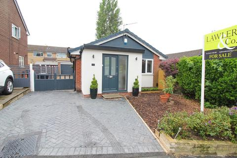 2 bedroom detached bungalow for sale - Mallard Crescent, Poynton, Stockport, SK12