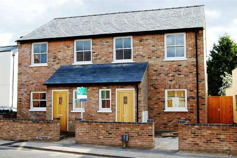 3 bedroom semi-detached house to rent - London Road, Charlton Kings, Cheltenham