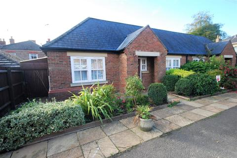 2 bedroom semi-detached bungalow for sale - Albert Street, Holbeach