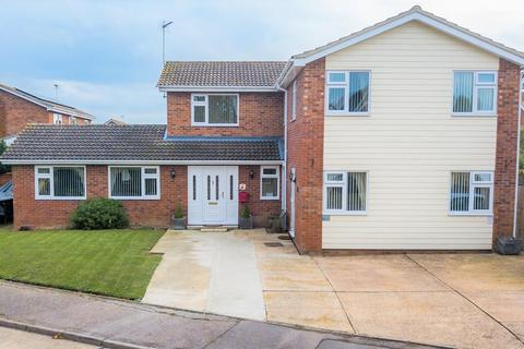 6 bedroom detached house for sale - Baynards Crescent, Kirby Cross
