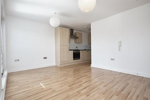 2 bedroom apartment to rent - Spring Street, Hull
