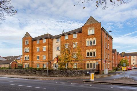 2 bedroom ground floor flat for sale - Clos Dewi Sant, Canton, Cardiff