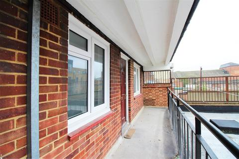 2 bedroom flat for sale - Broadway, Bexleyheath