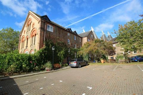 2 bedroom flat to rent - Hadlow