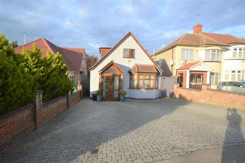 6 bedroom detached bungalow for sale - Stradbroke Grove, Ilford