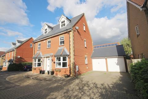 5 bedroom detached house for sale - Melford Grove, Great Notley, Braintree, CM77