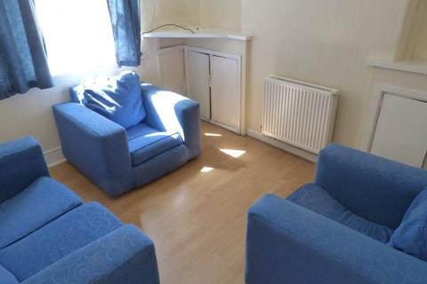 3 bedroom house to rent - Rhymney Street, Cathays, ( 3 Beds )