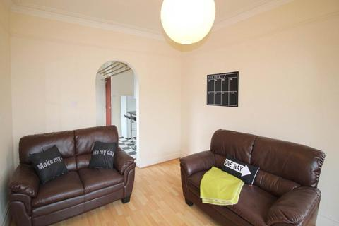 3 bedroom house share to rent - Headingley Mount, Headingley, Leeds