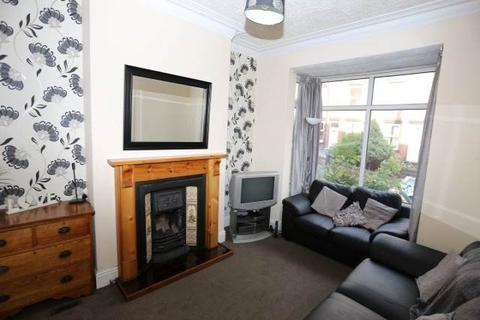 1 bedroom house share to rent - Wetherby Grove, Burley, Leeds