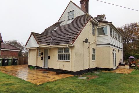 2 bedroom ground floor flat to rent - Overstrand