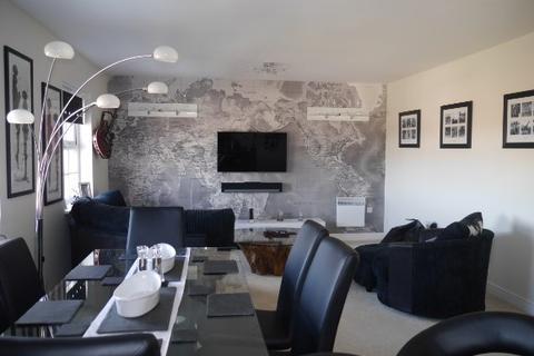 2 bedroom flat to rent - Eden Walk, Bingham
