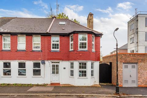 3 bedroom end of terrace house for sale - Brighton Road, Purley, CR8