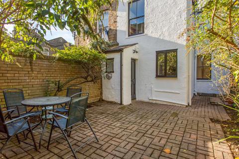 2 bedroom flat for sale - Athelstane Grove, E3