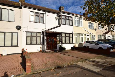 4 bedroom terraced house for sale - Keswick Gardens, Ilford, Essex