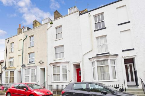 3 bedroom terraced house to rent - Townley Street Ramsgate CT11