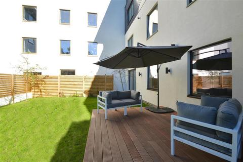 3 bedroom apartment for sale - Andre Street, Hackney, E8