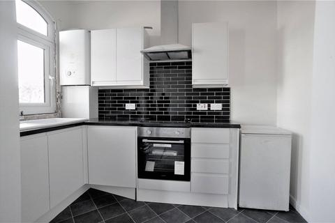 1 bedroom flat to rent - Vicarage Road, Strood, Rochester
