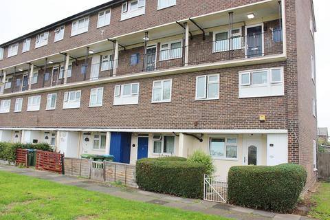 3 bedroom maisonette for sale - Edington Road, Abbey Wood, London, SE2 9JX
