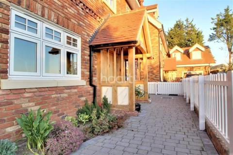 5 bedroom detached house to rent - Hall Close, Great Baddow