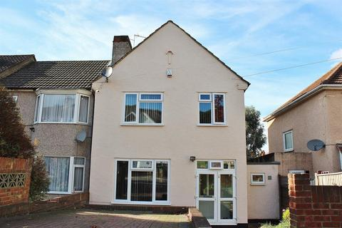 3 bedroom end of terrace house for sale - Bastion Road, Abbey Wood, London, SE2 0RG