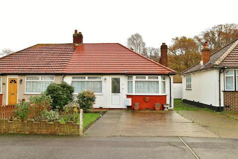 2 bedroom semi-detached bungalow for sale - Wenvoe Avenue, Bexleyheath, DA7 5BT