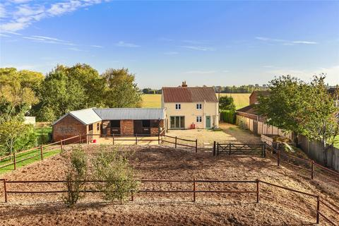 3 bedroom property with land for sale - Drainside North, Kirton, PE20