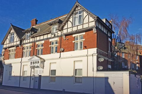 1 bedroom flat for sale - Sea Road, Bournemouth, BH5