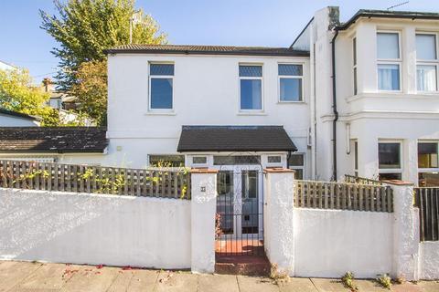 3 bedroom house for sale - Whippingham Street