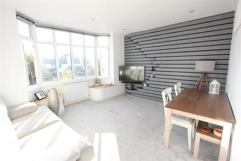 2 bedroom flat for sale - Scotts Lane, Bromley