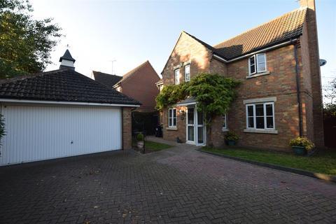 4 bedroom detached house for sale - Mayflower Drive, Maldon
