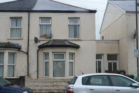 4 bedroom house to rent - Wyeverne Road, Cathays ( 4 Beds )