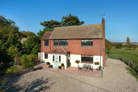 4 bedroom detached house for sale - Uplees Road, Oare, Faversham