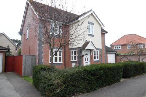 5 bedroom detached house to rent - Nightingale Way, Thetford