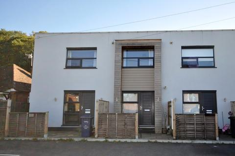 2 bedroom terraced house for sale - Catteshall Lane, Godalming