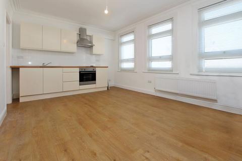 2 bedroom flat to rent - Granville Road, Wood Green N22