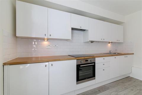 2 bedroom ground floor flat to rent - Innis House , East Street , Walworth , SE17 2JN