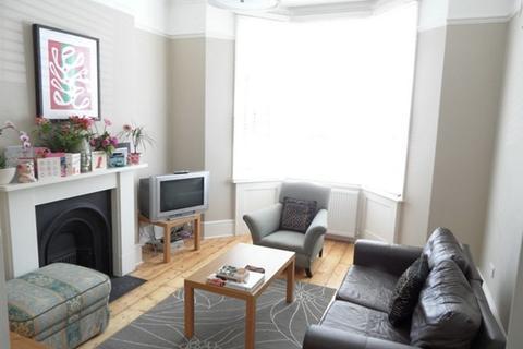 3 bedroom ground floor maisonette to rent - St Georges Terrace, Kemptown, Brighton