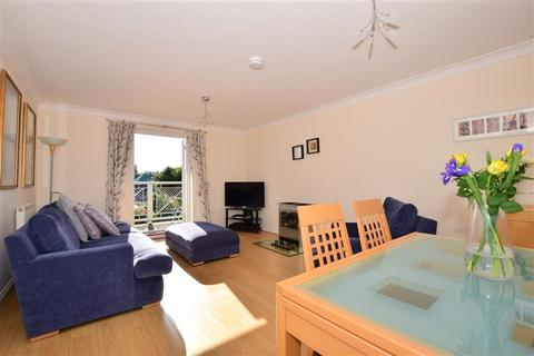 3 bedroom detached house for sale - Waterside Close, Faversham, Kent