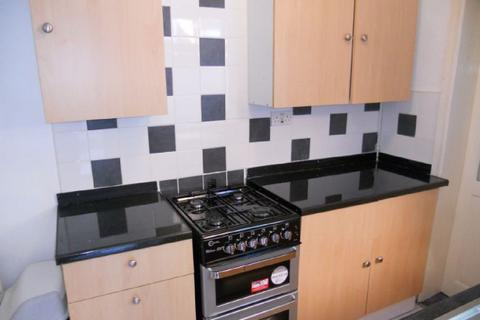 3 bedroom house share to rent - Hubert Road, Selly Oak, Birmingham, West Midlands, B29