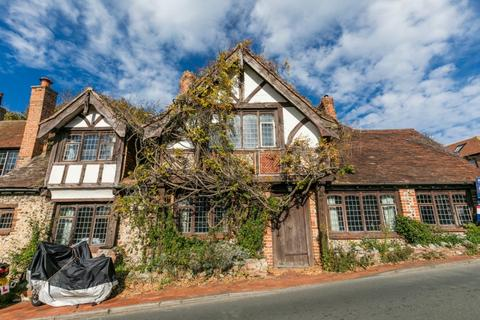 3 bedroom end of terrace house for sale - Dean Court Road, Rottingdean, East Sussex, BN2