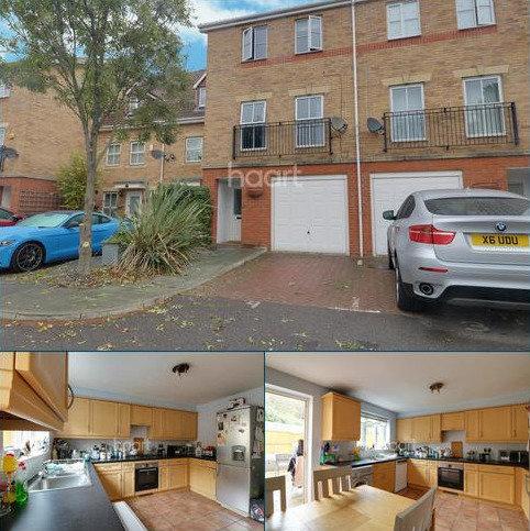 4 bedroom terraced house for sale - Keswick Gardens, Purfleet