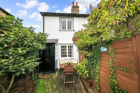 2 bedroom semi-detached house for sale - Perseverance Place, Richmond, TW9